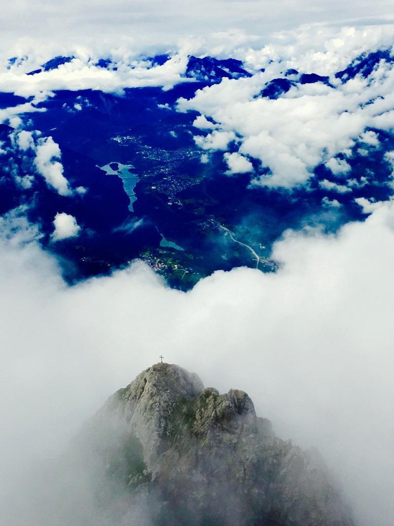 Cima dello Schiavon (con croce) dalla cime del Crissin